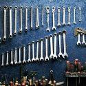 Narzędzia niezbędne w warsztacie samochodowym